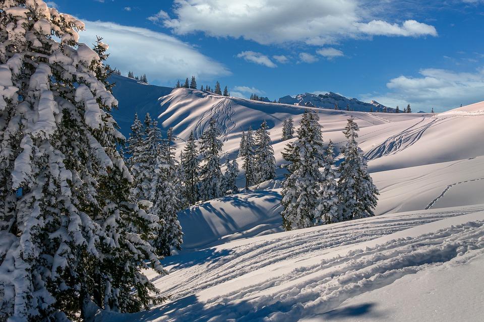 Comment bien préparer son séjour à la montagne ?