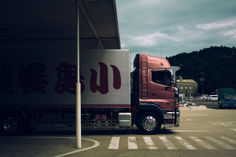 Les différentes offres  de transport de marchandises par voie routière